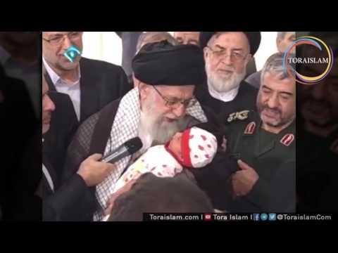 [Clip] Imam Sayyid Ali Khamenei Mengumandangkan Azan dan Iqamat kepada Bayi umur 1 Bulan - Farsi sub Malay