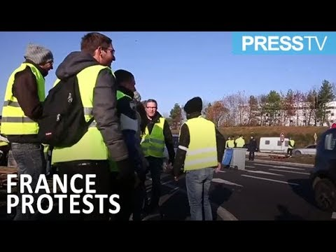 [20 November 2018] Protesters in France block access to three fuel depots - English