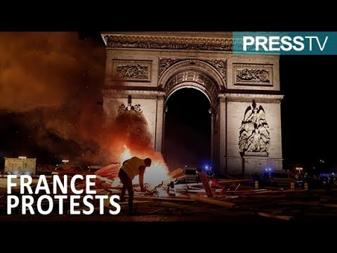 [25 November 2018] Protests on Champs Elysees rages through the night - English
