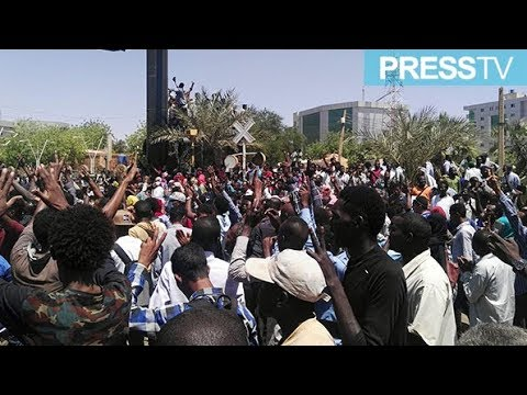 [8 April 2019] Sudanese protest overnight in country\'s capital - English