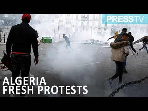 [13 April 2019] Algerian police use water cannon to disperse protesters - English