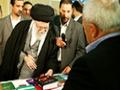 بازدید از غرفه آثار آیت الله صادقی تهرانی - Farsi