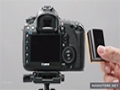 Canon 5D Mark III - Examining battery and media cards - English